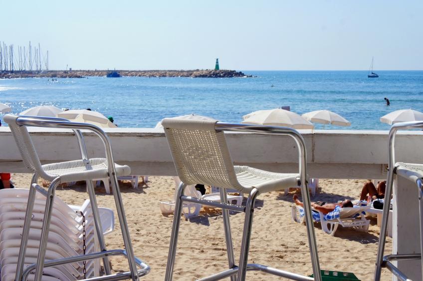 Beach bar in Tel Aviv. Photo by Simon Wilder
